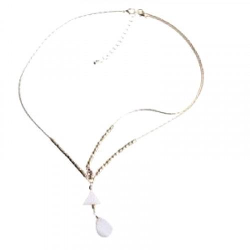 Head chain pendant nacre